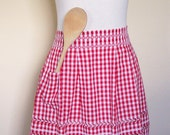 Vintage Half Apron Cotton Red Checked Gingham Picnic Patio Kitchen Dining Linens