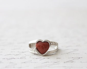 vintage carnelian stone sterling silver ring / heart shaped ring / diamond paved band / promise ring