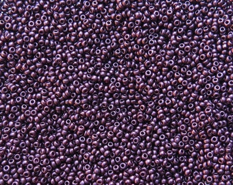 8/0 SILKY Opaque Plum Czech Glass Seed Beads 10 Grams (CS184)