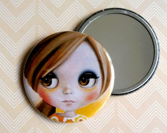 Blythe Doll - Pocket Mirror big eyed sixties style girl