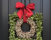 Boxwood Square Wreath, Holiday Boxwood Wreaths, Square Boxwood Wreath, Seasonal Wreaths, Indoor Wreaths, Cream Berry Wreaths