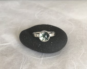 Moss Agate Ring - Size 6.5 - OOAK - Dendritic Agate Ring - Modern Silver Ring - Quartz Ring - Moss Agate - Green Moss Ring - Bezel Ring