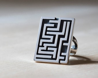 A Maze Ring, Puzzle Ring, Unisex Ring, Gaming Jewelry by Prairieoats