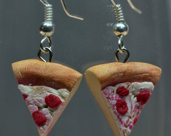 Pizza earrings, polymer clay, hand sculpted, dangle earrings, rubber stoppers included, peperoni pizza earrings, food earrings, geekery