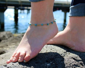 Gold and Turquoise beaded anklet.