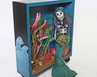 Mermaid Shadow Box Art - Skeleton Mermaid Diorama - OOAK Art Doll - Folk Art Clay Mermaid