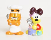 Vintage 80s 90s Garfield Odie Salt and Pepper Shaker Set in Box