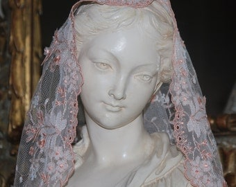 Saint Faith Peach and Ivory Mantilla