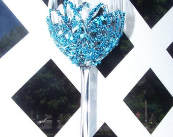 Beaded Wine Glass in Shades of Aqua and Blues