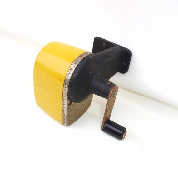 vintage pencil sharpener wall mounted sharpener old school. Black Bedroom Furniture Sets. Home Design Ideas