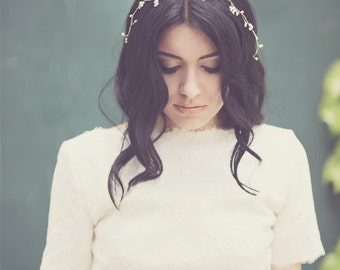 Bridal pearl hair vine, wedding flower band, floral headwrap, hair branch, bride hair accessory, gold wire wrap jewel, wreath - Style 336