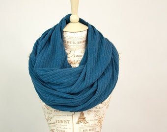 Blue Infinity Scarf, Blue Scarf, Sweater Scarf, Ribbed Circle Scarf Winter Scarf, Girlfriend Gift Wife Gift, Womens Scarves Gift for Her Mom