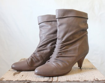 Vintage Damaged Taupe Leather Slouch Boots Sz 8.5