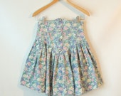 90s Pastel Floral Skirt / Ultra High Waisted Skirt / Button Front Mini Skirt / Pearl Buttons / 90s Pleated Mini Skirt / 90 Mini Skirt  Small
