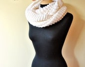 white chunky knit infinity scarf/shawl in 100% soft wool, large and long, warm and elegant, for women and girls
