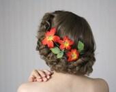 "Flower Garland for Hair, Orange Fascinator, Red Floral Headpiece Nasturtium Hair Clip, Hair Wreath Clematis 1950s - ""An October Affair"""
