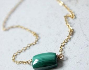 Malachite necklace,Malachite jewelry,Minimal necklace,dainty necklace gold,emerald green necklace,Geometric necklace,gemstone necklace