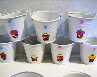 16 Cupcake mini buckets - wedding/bridal or baby shower party - birthday party favours - metal mini bucket party favours - wedding favours