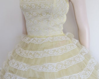 STUNNING Lemon and White Vintage 50s Lace and Tulle Prom Dress / Cup Cake / Full Skirt / Small / Strapless