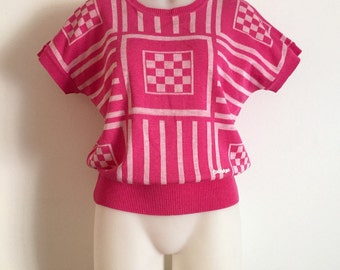 COURRÈGES!!! Vintage 1980s 'Courrèges' pink and white graphic jacquard short sleeved knit