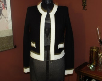 Charlotte Russe Black and Ivory/Cream Knit Open Cardigan