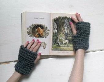 Chunky dark grey handwarmers, crochet hand warmers, grey fingerless mitts