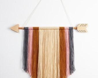 "15"" Arrow Yarn Wall Hanging Decor"