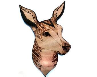 Deer Wall Hanging, pyrography, wood burning, doe wallhanging, deer head, Wall art, deer decor, deer art, woodland art, woodland decor, uk