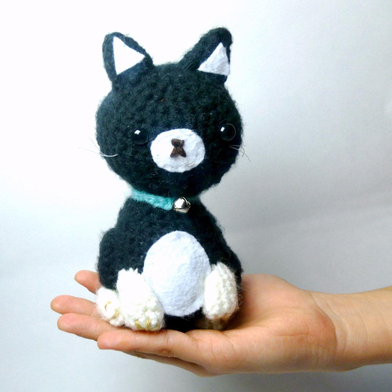 crochet cat plush black cat stuffed animal cat crochet. Black Bedroom Furniture Sets. Home Design Ideas