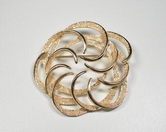 Vintage Sara Coventry Flower Swirl Pin Brooch Gold Tone Flower Swirl Statement Pin Sara Coventry Brooch Statement Brooch