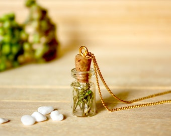Bottle / necklace / green / Real Flower Necklace, Real Dried Flower, Real Flower Jewelry, Plant Necklace, Terrarium Necklace, Gift for her