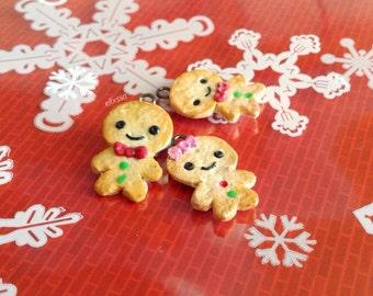Miniature Gingerbread Men Charms // Christmas charms/ Gingerbreadmen pendant