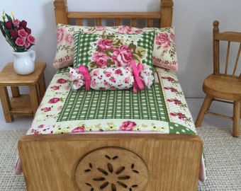 Double Bed in Green Patchwork for 1:12 Scale Dollhouse-Three bed color choices and 3 patchwork color choices