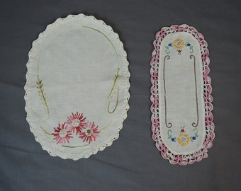 2 Vintage Floral Linen Doilies, Embroidery and Crochet Edges, 1940s 1950s, Vintage Home Decor, Pink Doily