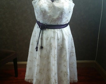 Plus Size Tea-Length Lace Wedding Dress