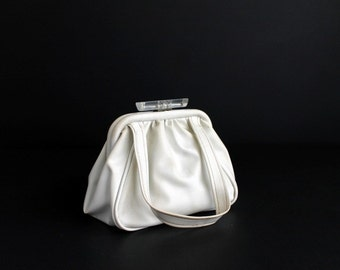 Vintage Faux Leather White Handbag With Large Clear Lucite Acrylic Clasp Mod Purse