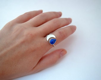 crescent moon ring/sterling silver moon ring/lapis lazuli ring/moon phases ring with blue stone/minimal moon ring