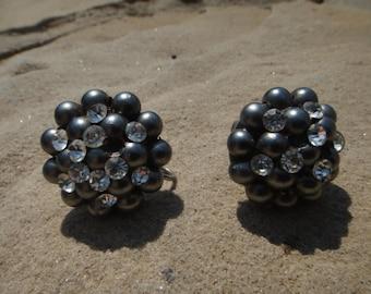 Vintage CHUNKY Bold Screw Back Cluster Flower Earrings Cluster Vintage Screw Back Clip On Earrings
