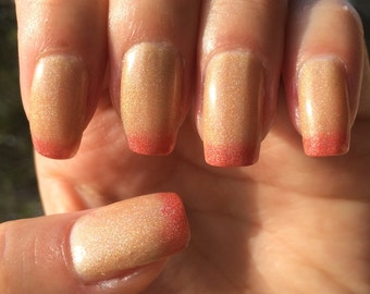 Sandy Peach Red to Yellow Thermal-Changing Shimmer Polish