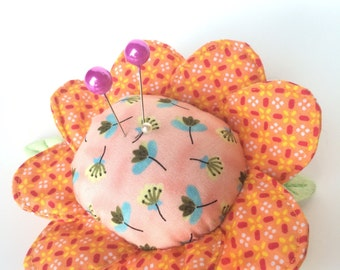 Pincushion - needles flower - accessory for needlewoman - tidies up needles