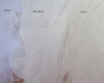 """3m 118"""" Tulle mesh netting fabric for veiling bridal veil best tulle for veiling trail bustle white off white ivory wedding soft Italy"""