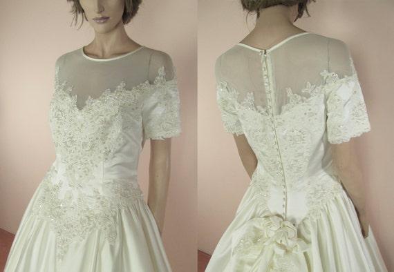 90's Vintage Wedding Dress Elegant Ivory Bridal Gown