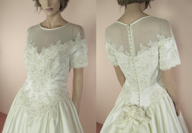 Ivory Wedding Gowns: 90's Vintage Wedding Dress Elegant Ivory Bridal Gown