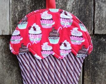 Holiday cupcake-Shaped Potholder