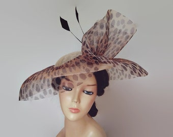 Leopard hat, leopard fascinator,Veil hat beige,Leopard derby hat,Race day hats,Cream and black fascinator,Ladies sun hats,Large wedding hats