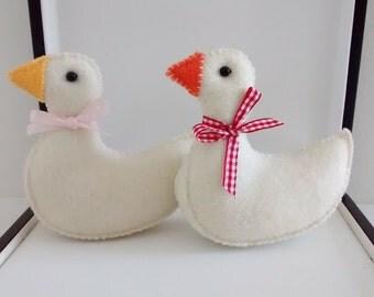 Felt Goose/ Felt Goose Ornament/Home Decoration / Christmas Ornament/ Handmade
