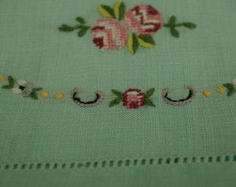 Vintage Linen Guest Hand Towel-Sweet Flowers