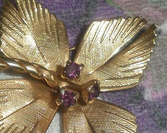 Vintage 1950s/60s Goldtone Flower Brooch with Amythest Crystals