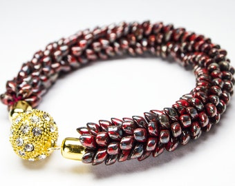 Red seed bead bracelet golden rhinestone magnetic clasp Japanese jewelry gift present for her women bracelet bangle female armband scales