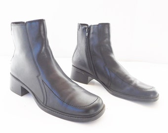 Vintage ARESOLES Black Women clunky chunky stacked heel ankle square toe boots ladies size 8.5